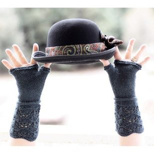 Gingerbread Mitts PDF