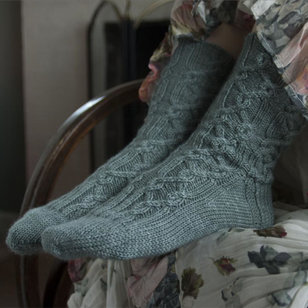 Red Rover Cable Socks PDF