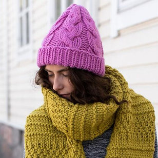 Cabled Hat in Hygge (Free)