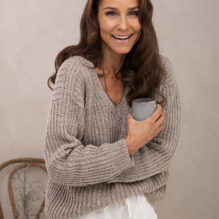 Evening Delight Sweater in Noric Wool (Free)