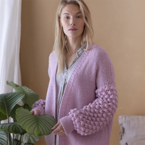 View larger image of Women's Cardigan in Isoveli (Free)