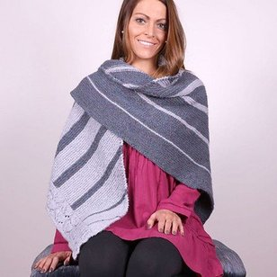3047 Two Color Shawl