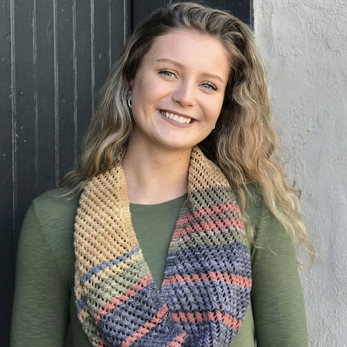 View larger image of F910 Bon Ton from Adriafil Diagonal Lace Cowl (Free)