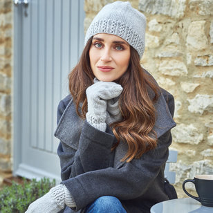 13 Honey Hat, Mittens and Gloves PDF
