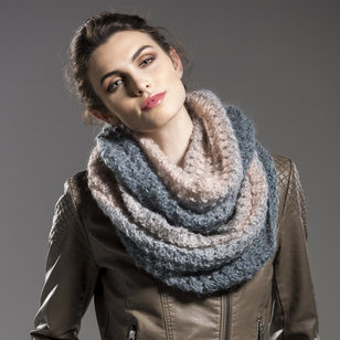 Mother of Pearl Cowl (Free) PDF