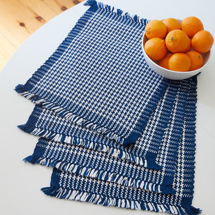 #205 Houndstooth Placemats PDF